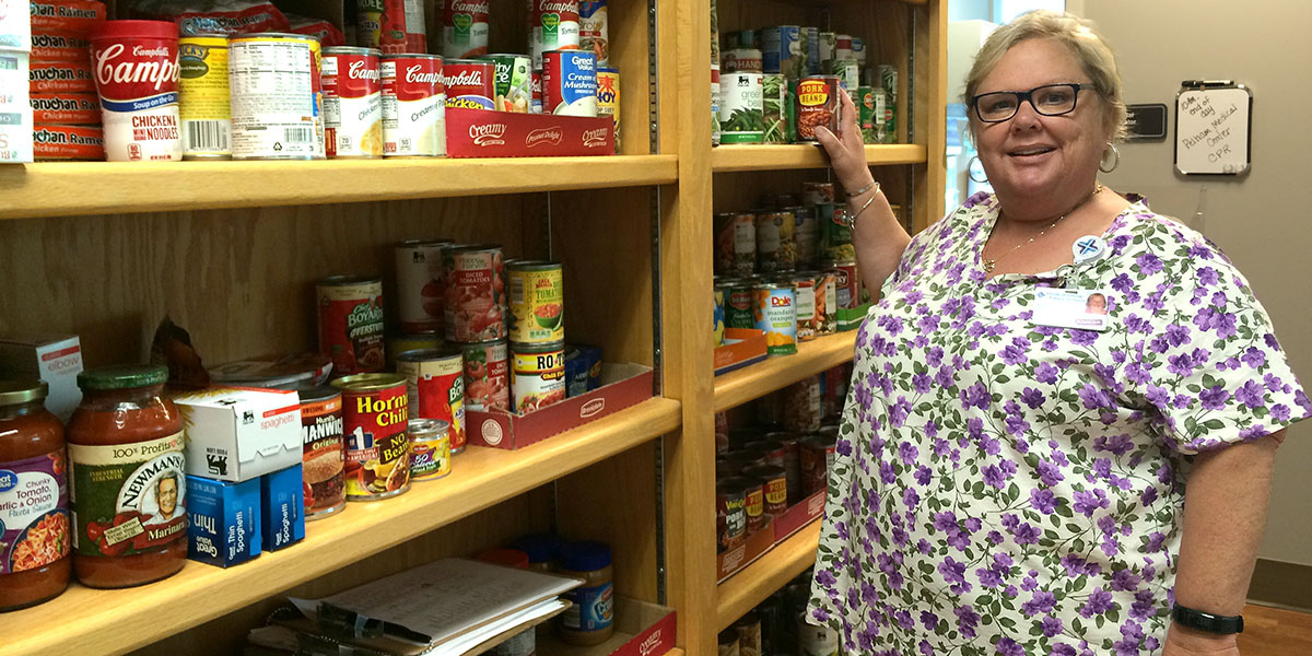 Leslie Sellers - Infectious Disease- Food Bank (6)_1200x600_Discover-Health.jpg